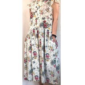 Vintage Romantic Expressions White Floral Dress